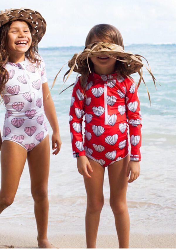 Écht ontspannen op het strand? Steek je kind in Beach & Bandits UV-kleding