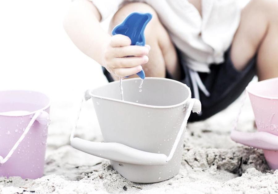 Kidsdesign-speelgoed-Scrunch-Bucket