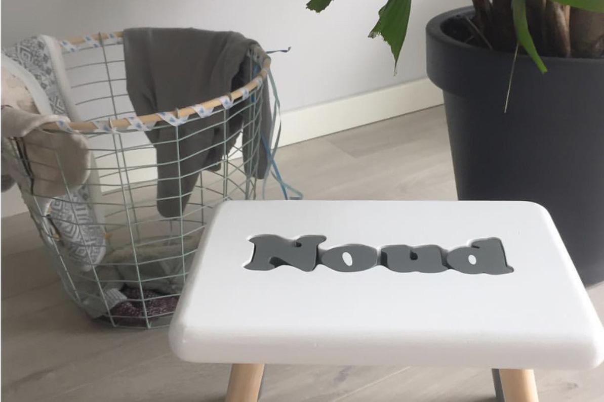 handgemaakte naampuzzel naamcadeau kraamcadeau studio hout en wol minimixtape