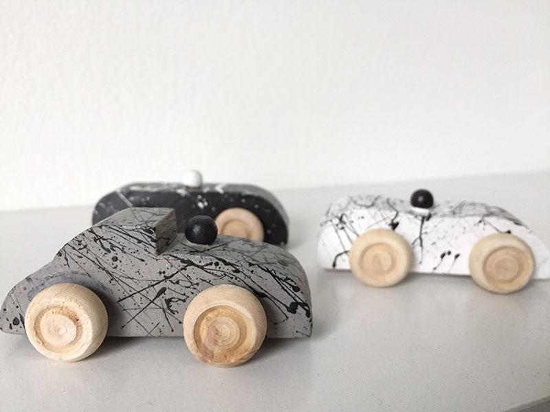 handgemaakte houten auto's splatter design