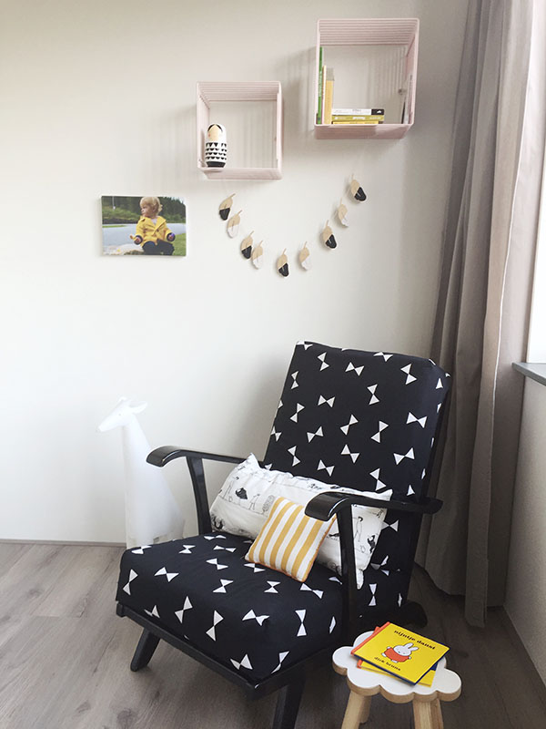kinderkamer foto aan de muur