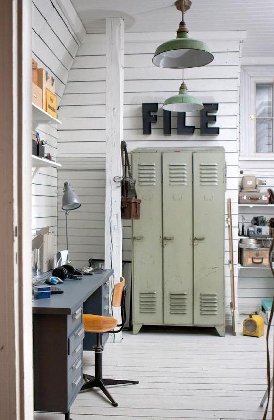 vintage lockerkast in je kantoor aan huis