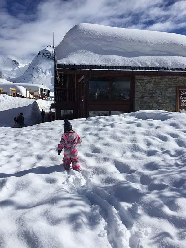 wintersport met dochter van twee