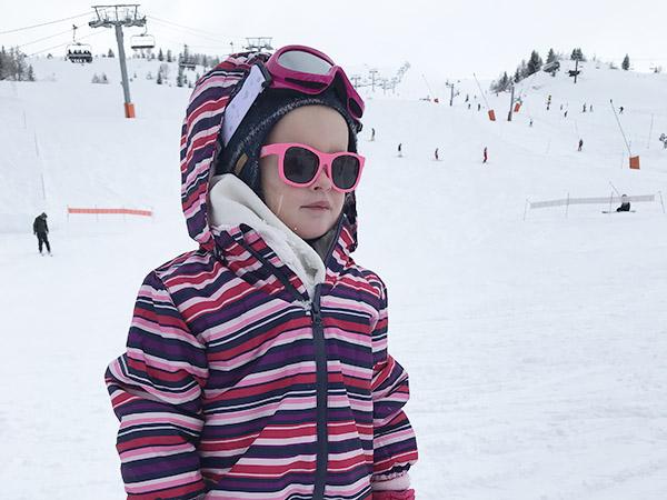 Cool: aviator zonnebrillen en spiegelende glazen voor kinderen