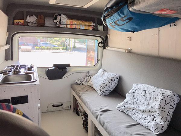 interieur zelfgebouwde camper