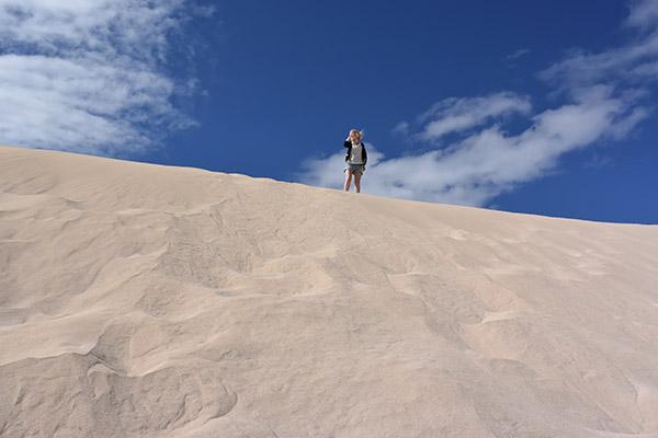 fuerteventura met kids zanddduinen bekijken