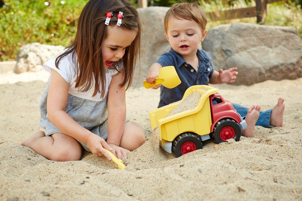 vrachtwagen speelgoed van gerecycled plastic