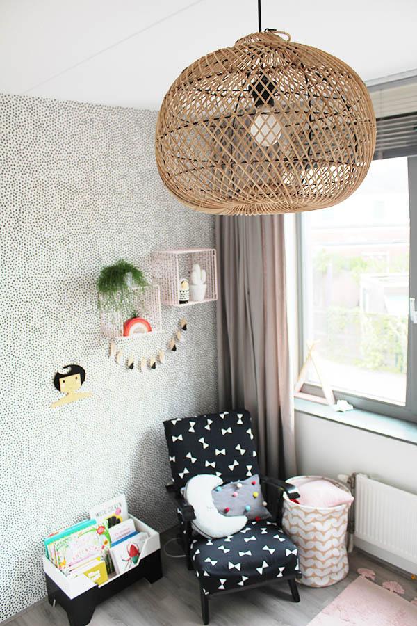 bamboe hanglamp in de kinderkamer