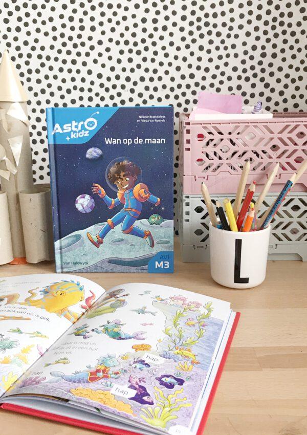 Deze gloednieuwe AstroKidz AVI-leesboekjes spelen zich af in de ruimte